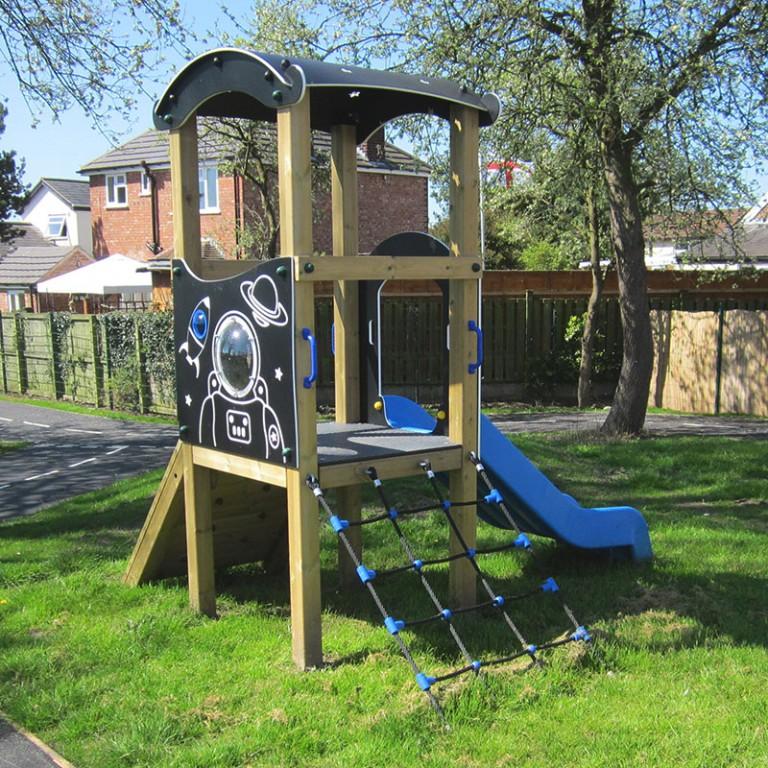 SpaceThemedSingleWoodenAdventureTowerWithScrambleNet SchoolPlaygroundTower