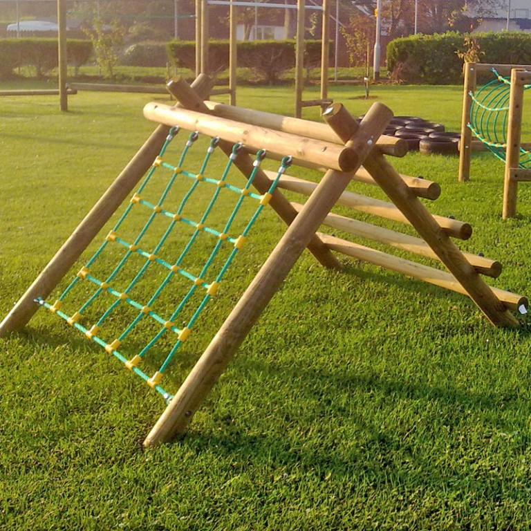 Scramble Net Log Climber