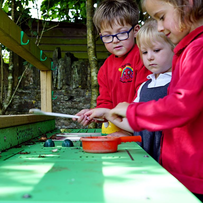 EYFS Mud Kitchen